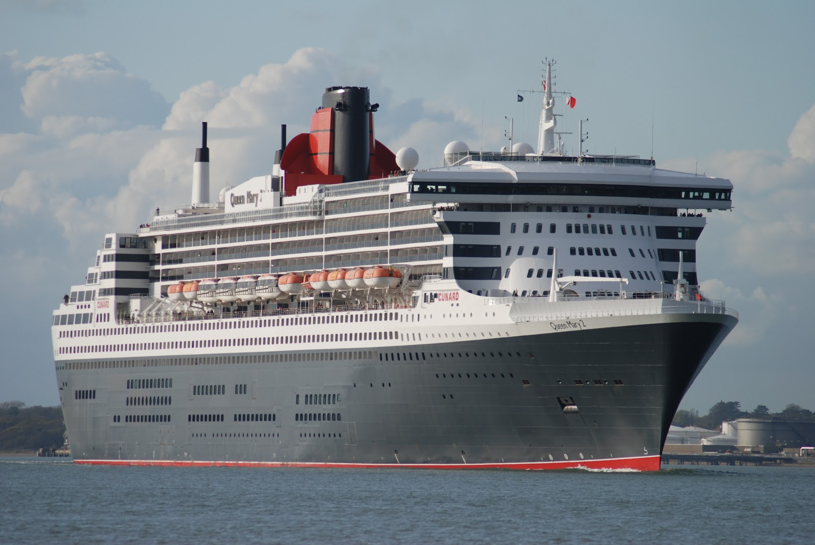 Navigation cruising and maritime themes the cunard line for Queen mary 2 interieur