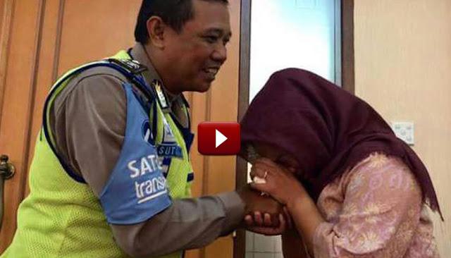 VIDEO: Momen Haru, Dora Natalia Cium Tangan Dan Minta Maaf pada Aiptu Sutisna