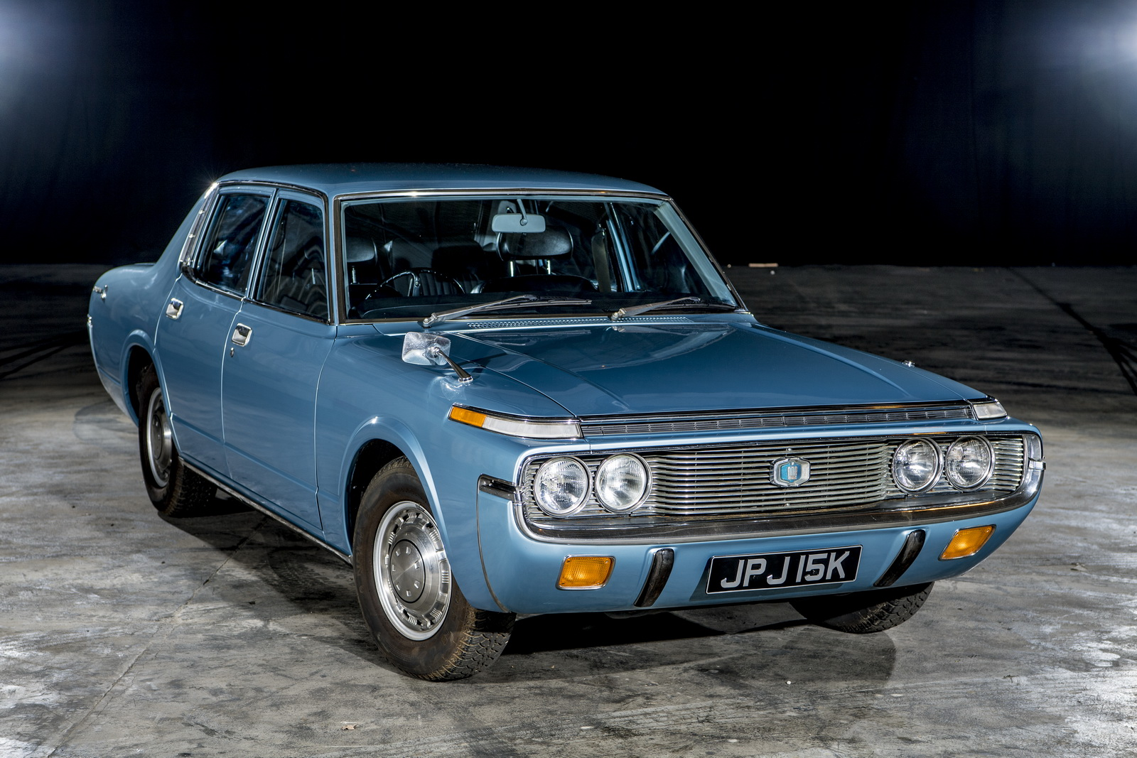 Barn Find 1972 Toyota Crown Returns On The Road After 25 Years Of Storage