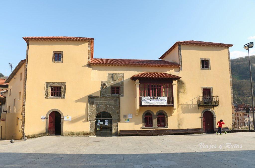 Palacio Omaña de Camgas del Narcea, oficina de turismo