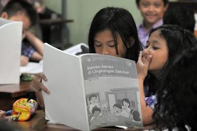 Tahun Ini Seluruh Sekolah Wajib Pakai Kurikulum 2013