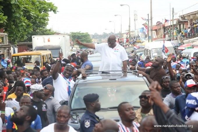 Akufo-Addo 'mobbed' at Nima