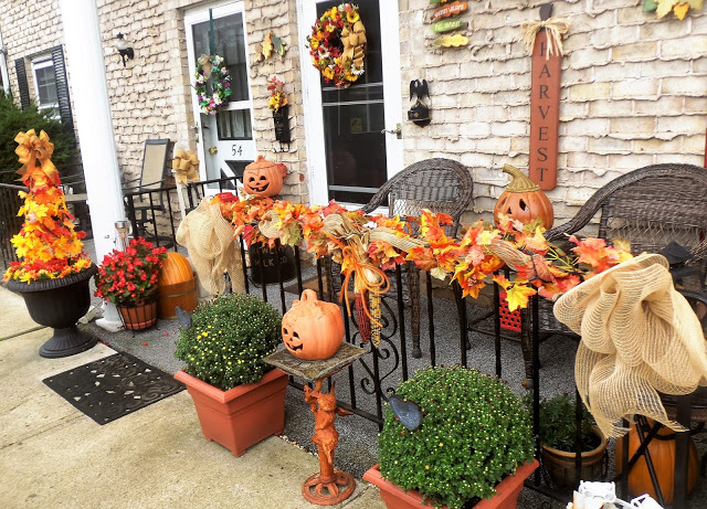 Fall Front Porch, 2017