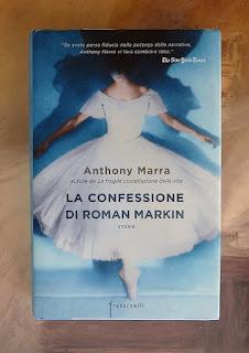 La confessione di Roman Markin - Anthony Marra Recensione no-spoiler Felice con un libro
