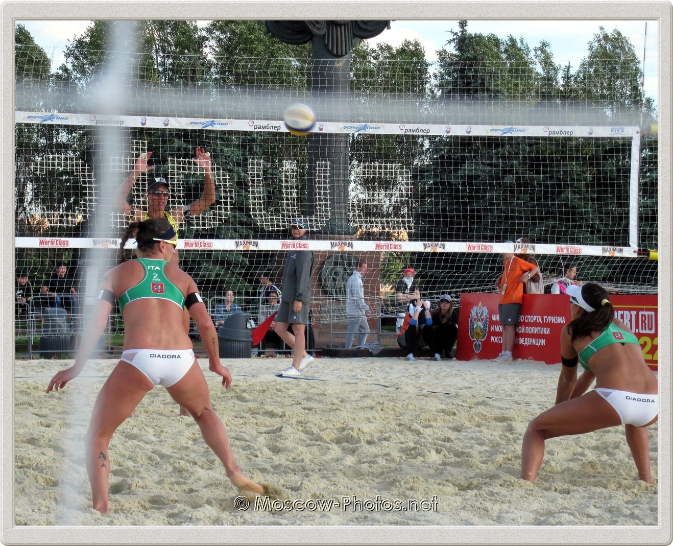 Defensive Line Of Italian Beach Volley Team