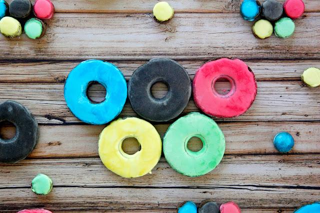 http://dalmatiandiy.blogspot.co.nz/2016/06/how-to-make-homemade-donut-treats-for.html