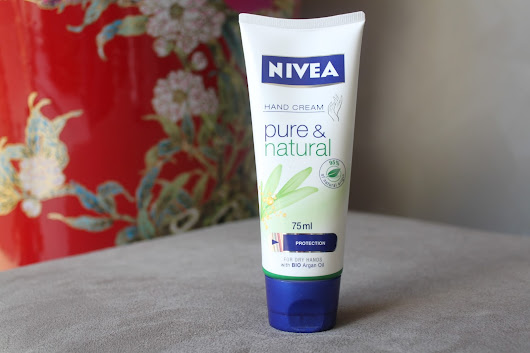 Australian Beauty Review: Review of the Nivea Pure & Natural Hand Cream