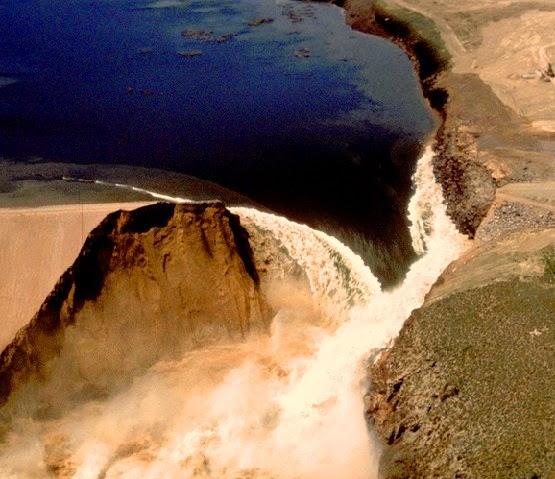 Permeable loess soil led to rapid failure of Teton Dam