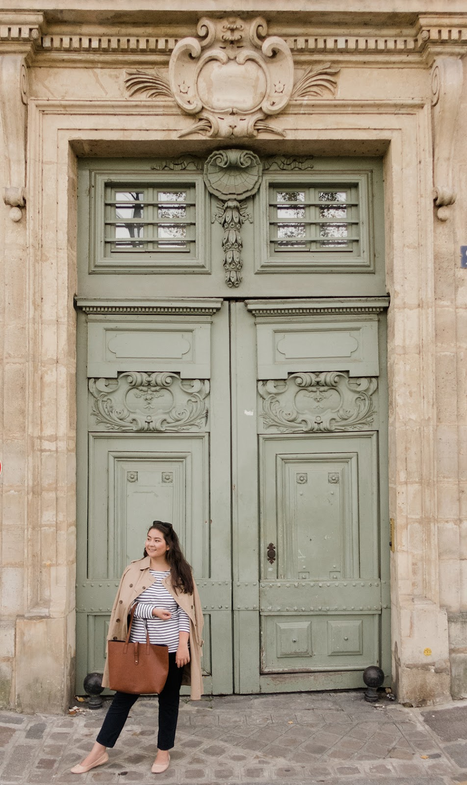 Paris-birthday-trip-trench-coat-ootd-style-fashion-Barely-There-Beauty-blog