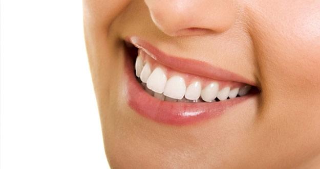 Cara Memutihkan Gigi Alami Dan Permanen Cara Memutihkan Gigi