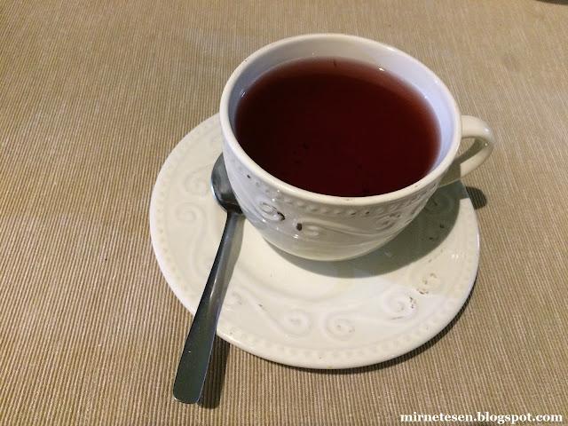 Байкальск - малиновый чай в местном кафе