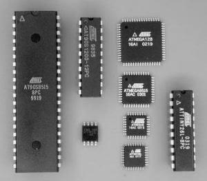 Mengenal Mikrokontroller - contoh beberapa bentuk mikrokontroller ATMEL