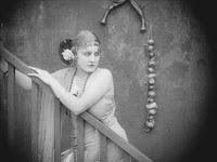 """Эдна Первайэнс в к/ф """"Пародия на Кармен"""" / Burlesque on Carmen (1916) - 11"""