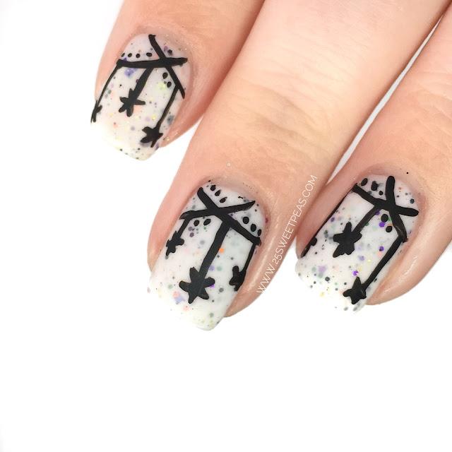 Halloween Bunting Nail Art