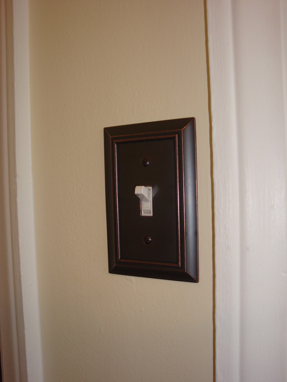Some Spray Paints Are Paint And Primer In One But If It S Not Make Sure You Always Use First Here Of My Oil Rubbed Bronze Finishes