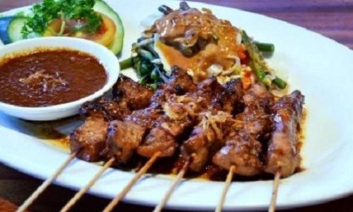 Hasil gambar untuk Sate Ayam Banjar Khas Banjar Sulawesi Selatan