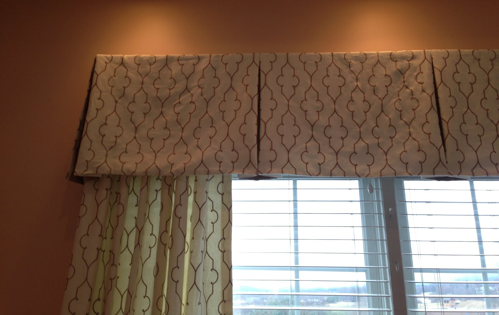 Accents On Windows Tailored Valances