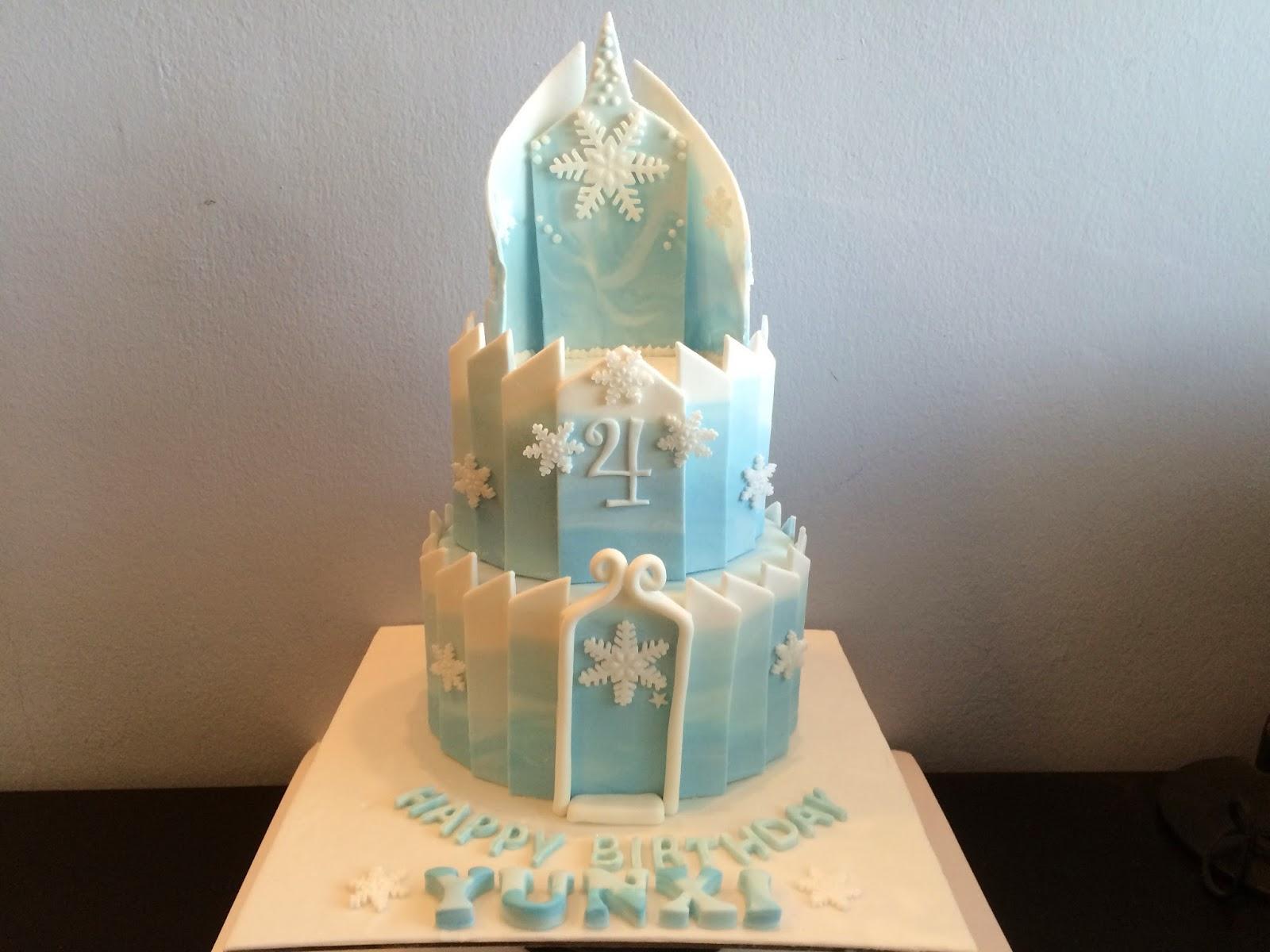 Elsa S Frozen Ice Palace Cake Crissa S Cake Corner