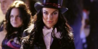 Smallville - Season 8 Episode 17: Hex