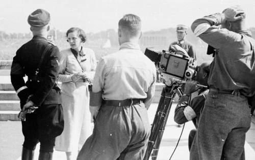 Leni Riefenstahl menggarap sebuah film