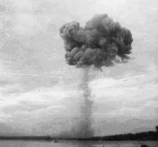gambar ledakan kapal Halifax Explosion - KECELAKAAN KAPAL LAUT ITU SALAH SIAPA?