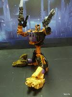 Unite Warriors Bruticus UW-07 Blast off