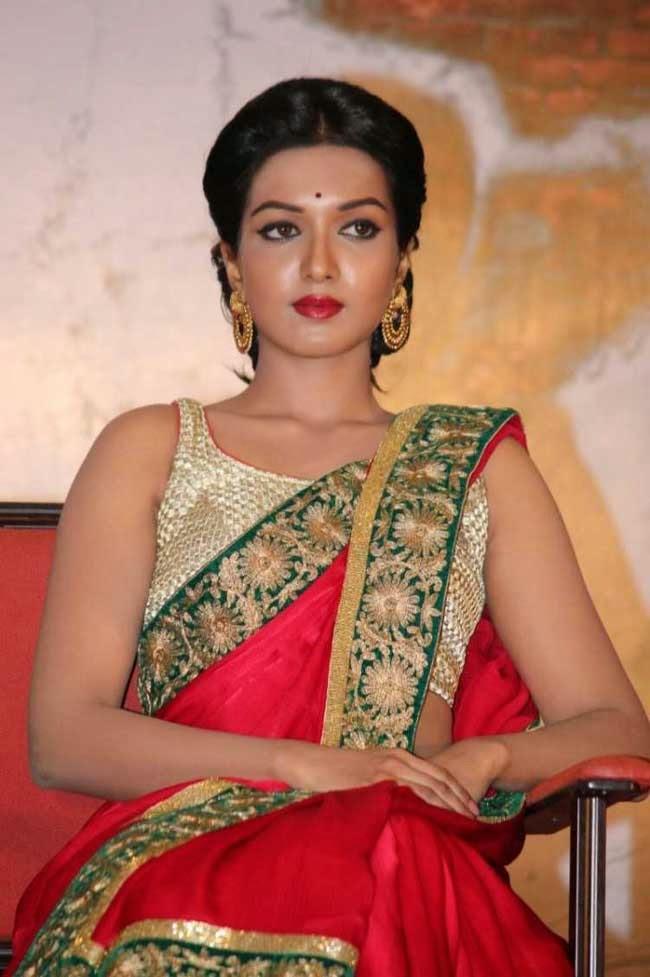 Actress Catherine Tresa In Red Satin Saree | Sarees Villa