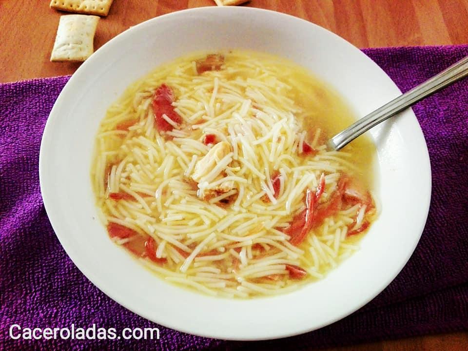 sopa rápida de fideos con jamón