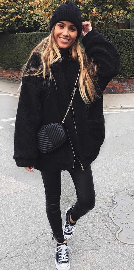 Front pocket coat,  | From knited jumpers to oversized jumper. Discover these 31 Cute womens jumpers that will totally embrace you. Jumper Outfits via higiggle.com #jumper #winterwear #style #cute