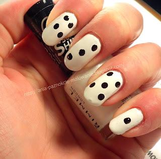 biały lakier do paznokci