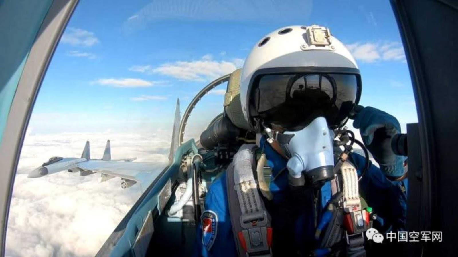 China merilis photo dan video Su-35 dalam pelatihan tempur