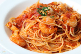 Recipe of the Day: Shrimp with hot pasta and fresh tomato