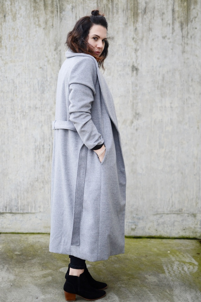 Le Chateau made in Canada wrap coat grey coat cute winter outfit Vancouver blogger