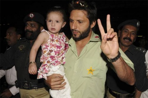 Shahid Afridi Wife And Kids