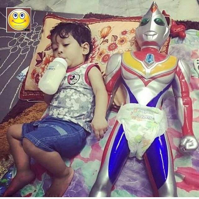 Ndak Mau Minum Susu Kalo Ultraman Ndak Di Sampingku Wkkwkw