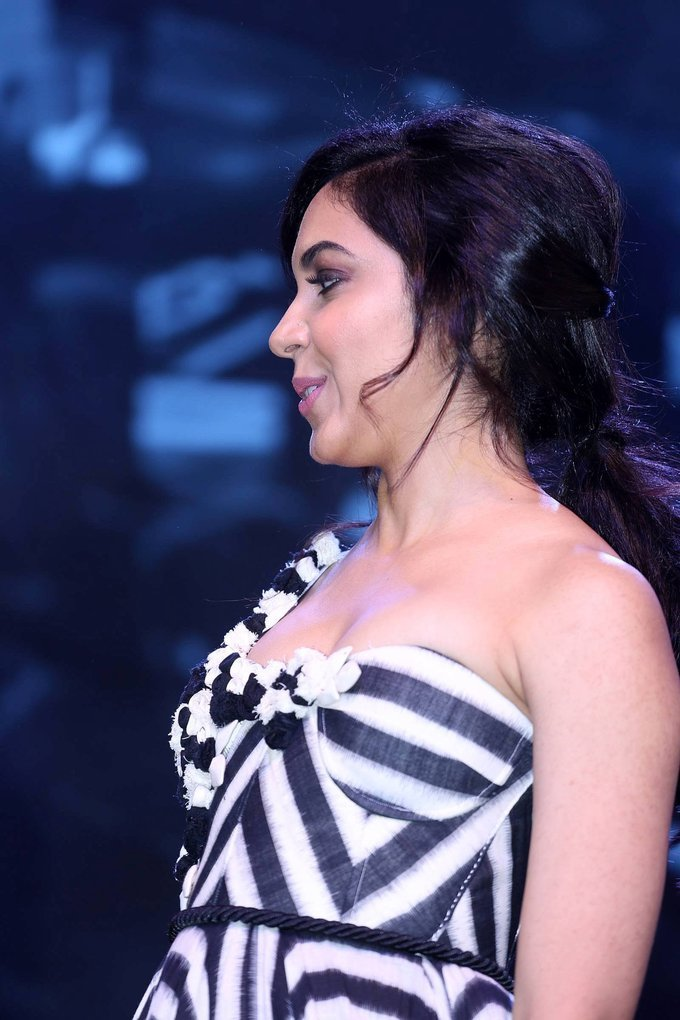 Actress Ritu Varma at Woven 2017 Fashion Show Photos