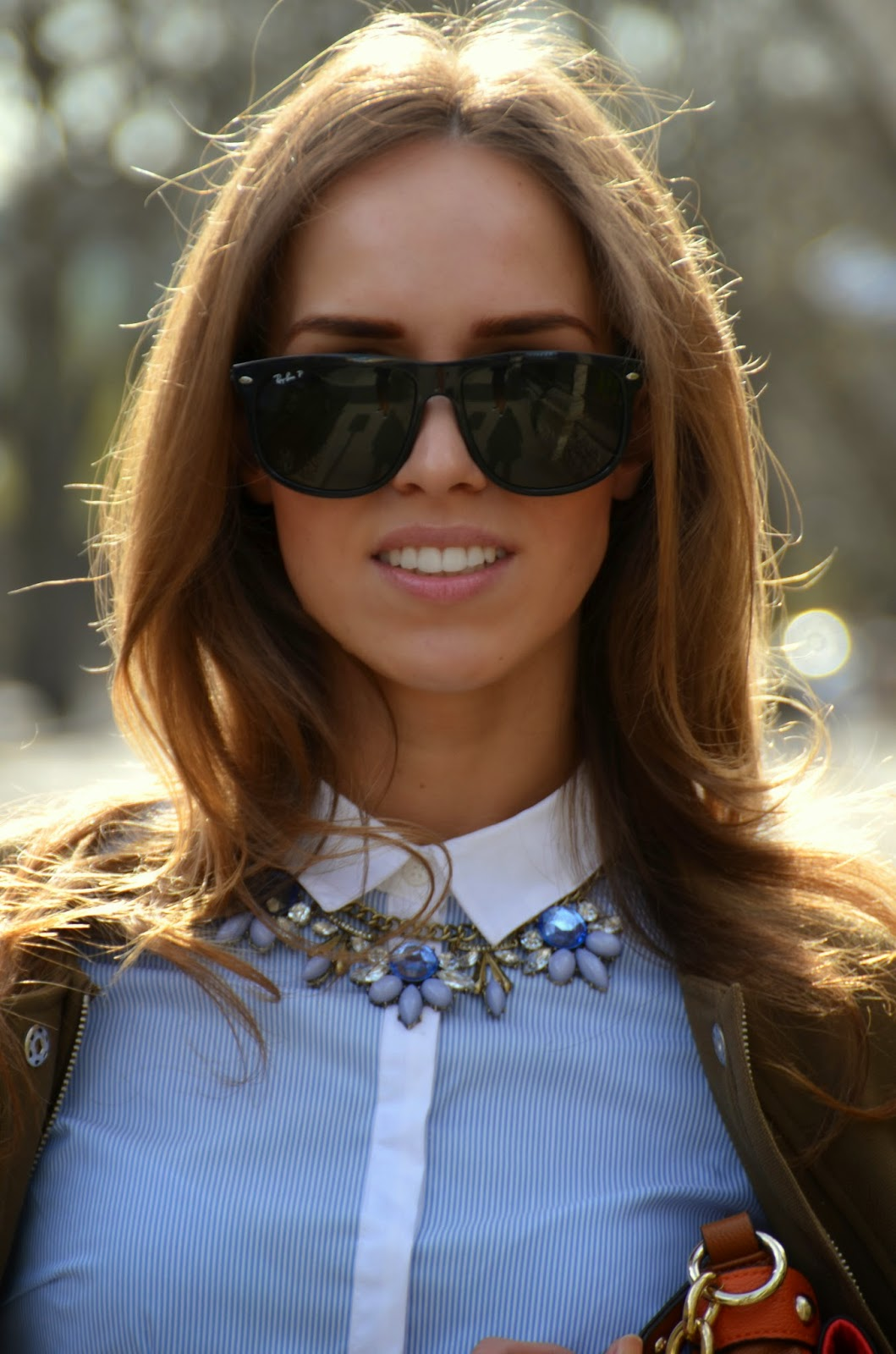 hm-striped-blue-shirt-monton-statement-necklace-ray-ban-sunglasses