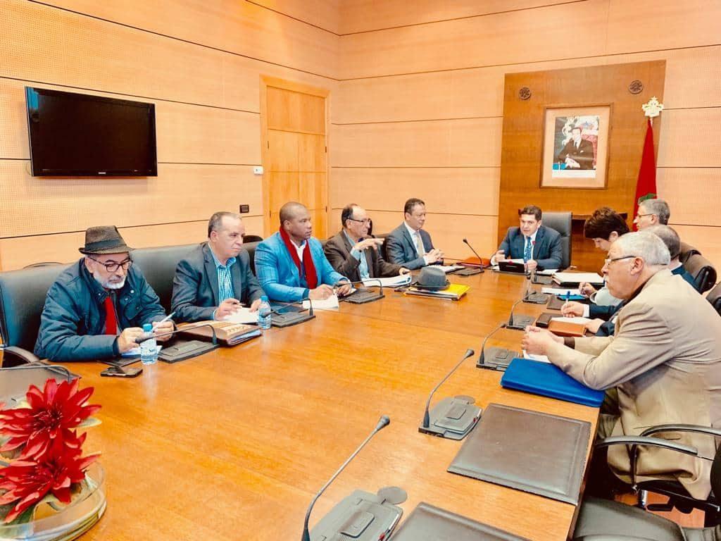 """الوزير أمزازي يلتقي مجددا اليوم بالنقابات التعليمية وملف """"أساتذة التعاقد"""" على طاولة النقاش"""
