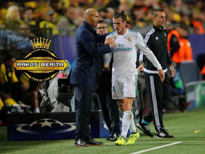 Zidane Menutupi Cedera Bale