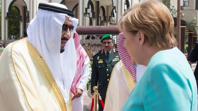 A chanceler alemã Angela Merkel fez este domingo uma visita à Arábia Saudita