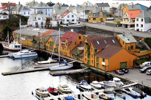 Panorama Haugesund. Norweska zabudowa