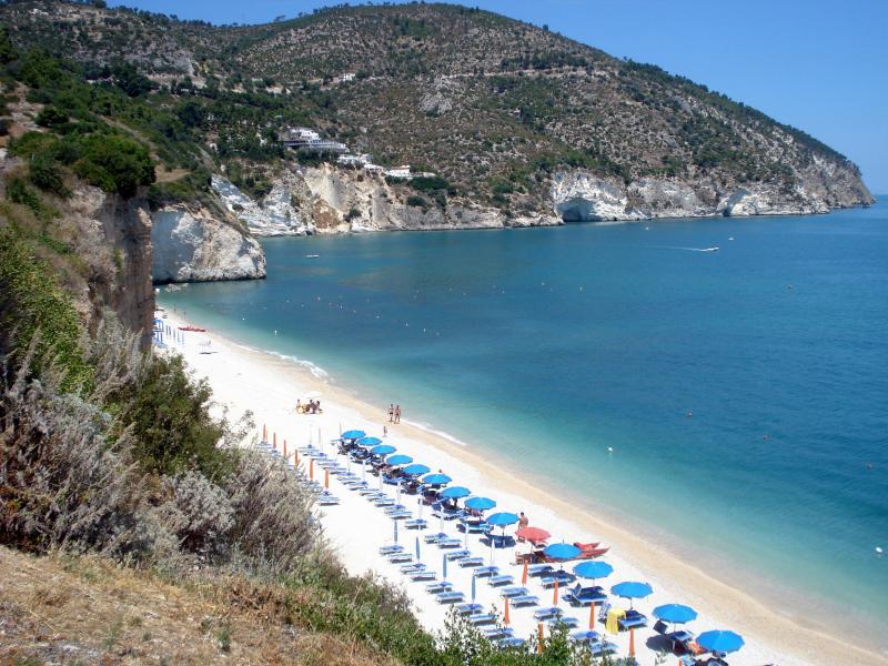 Italy : Mattinata Beach, Puglia