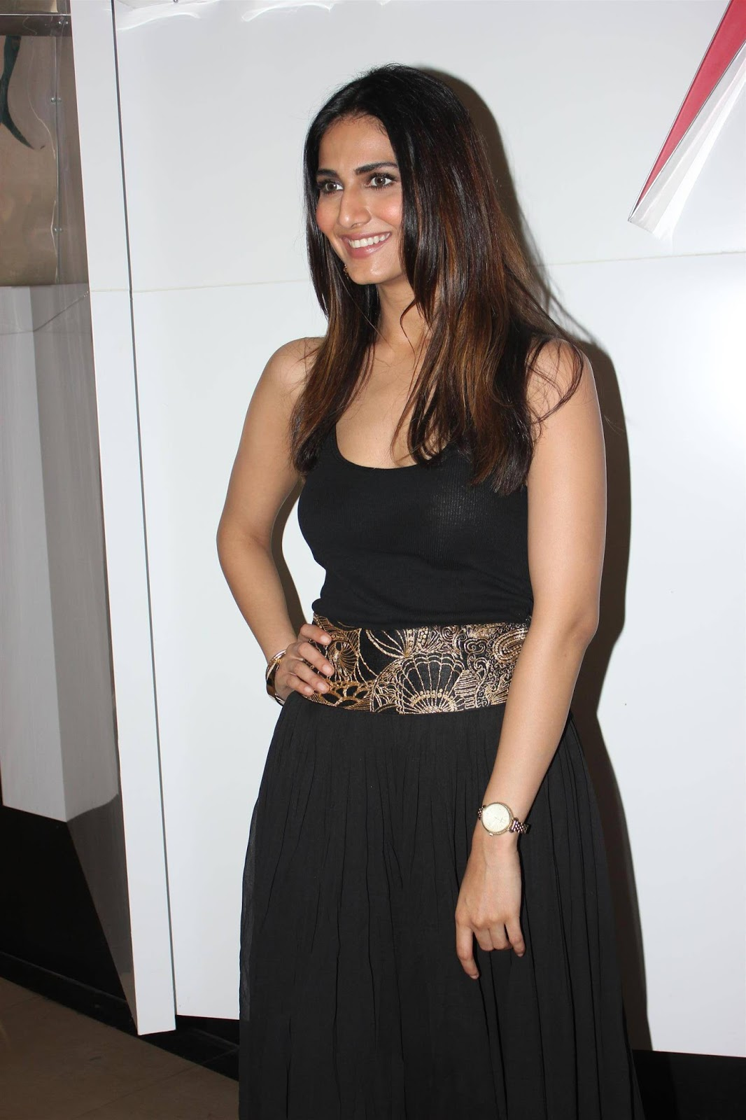 Glamorous Vaani Kapoor Hot Photos In Black Dress