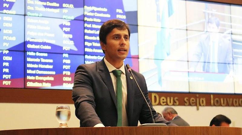 Dep. Duarte Jr. Apresenta projeto de lei que proíbe corte de água e luz em feriados e fins de semana no Maranhão.