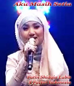 Foto Fatin Menyanyi Lagu Aku Masih Setia
