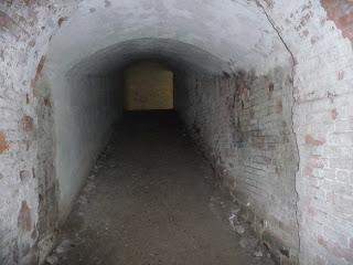 Тараканівський (Дубенський) форт. Кам'яні коридори, вентіляційні ходи