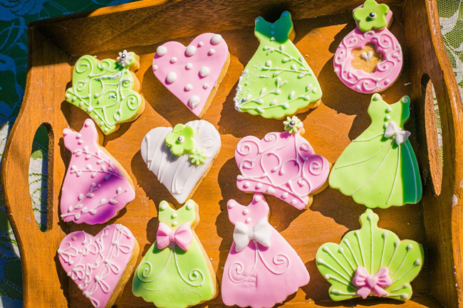 pink and green wedding cookies