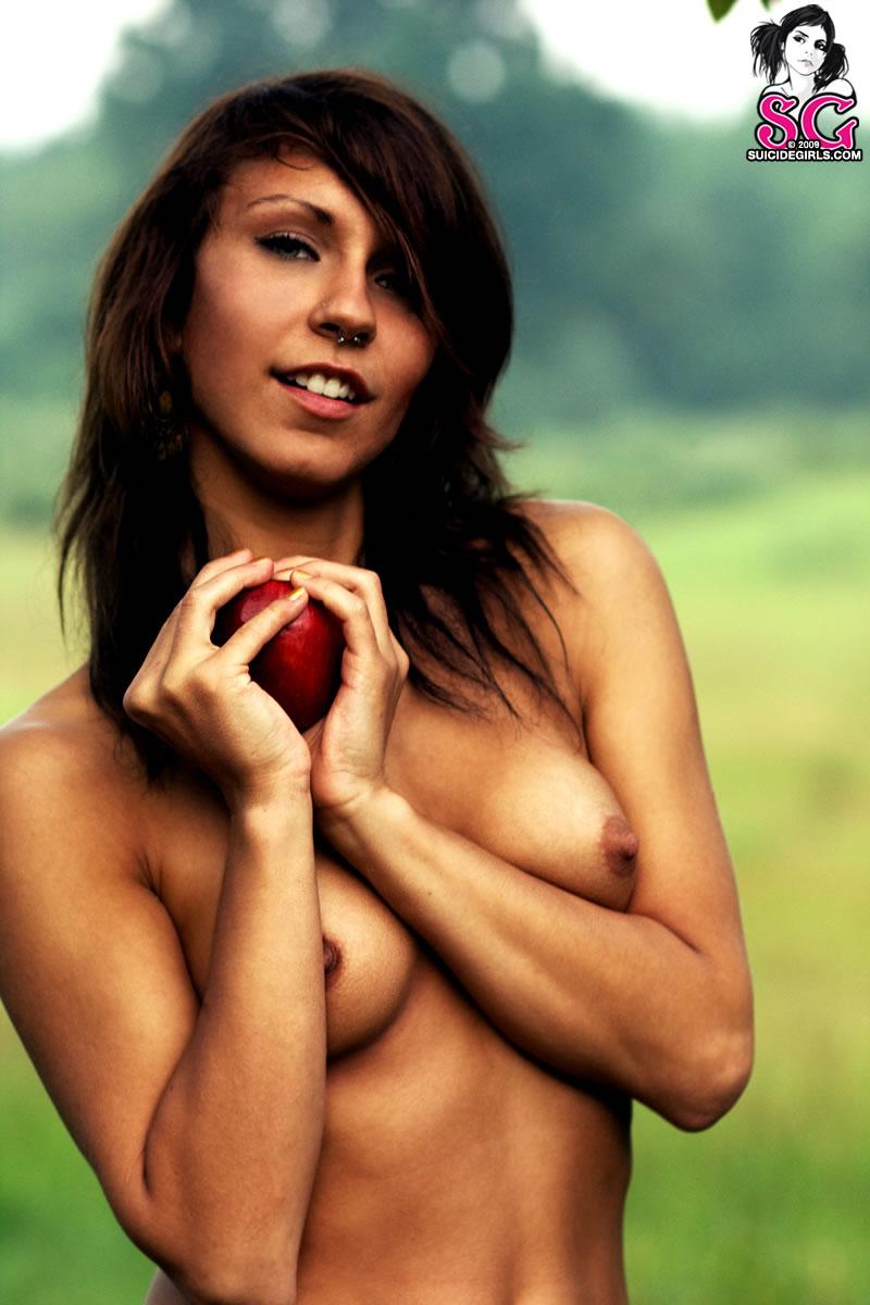 suicide girl eevie naked