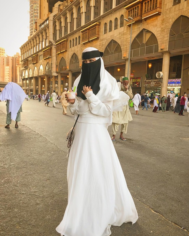 Fesyen Muslimah Elfira Loy
