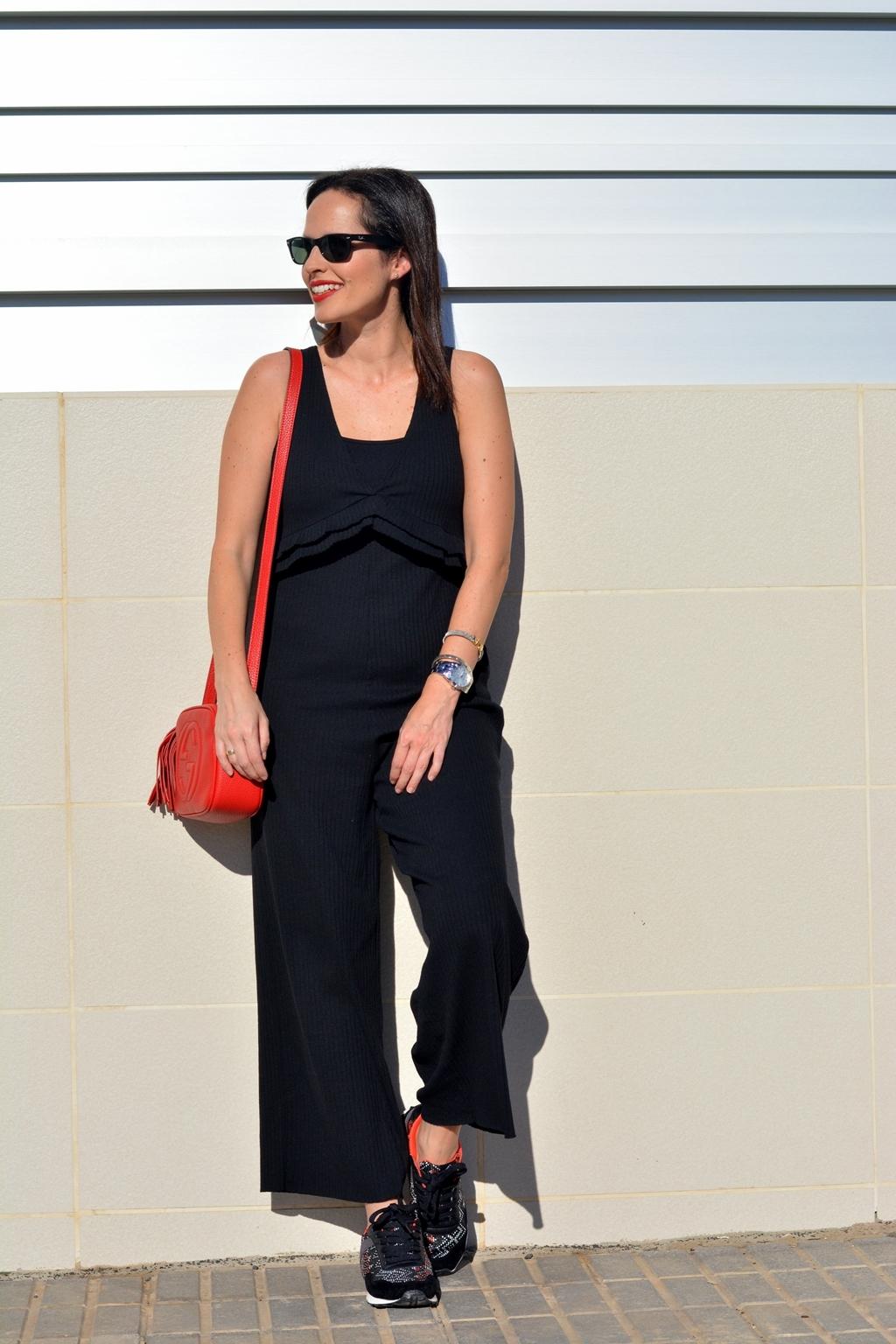 zara-black-jumpsuit-outfit